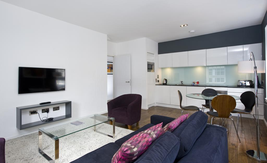 Self--catering-Accommodation-Edinburgh---Malt-House-Apartments---George-Street---Urban-Stay-24