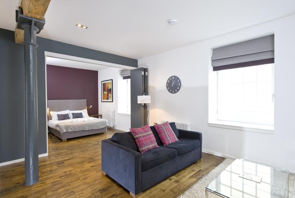 Self--catering-Accommodation-Edinburgh---Malt-House-Apartments---George-Street---Urban-Stay-5