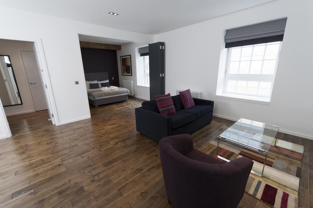Self--catering-Accommodation-Edinburgh---Malt-House-Apartments---George-Street---Urban-Stay-6