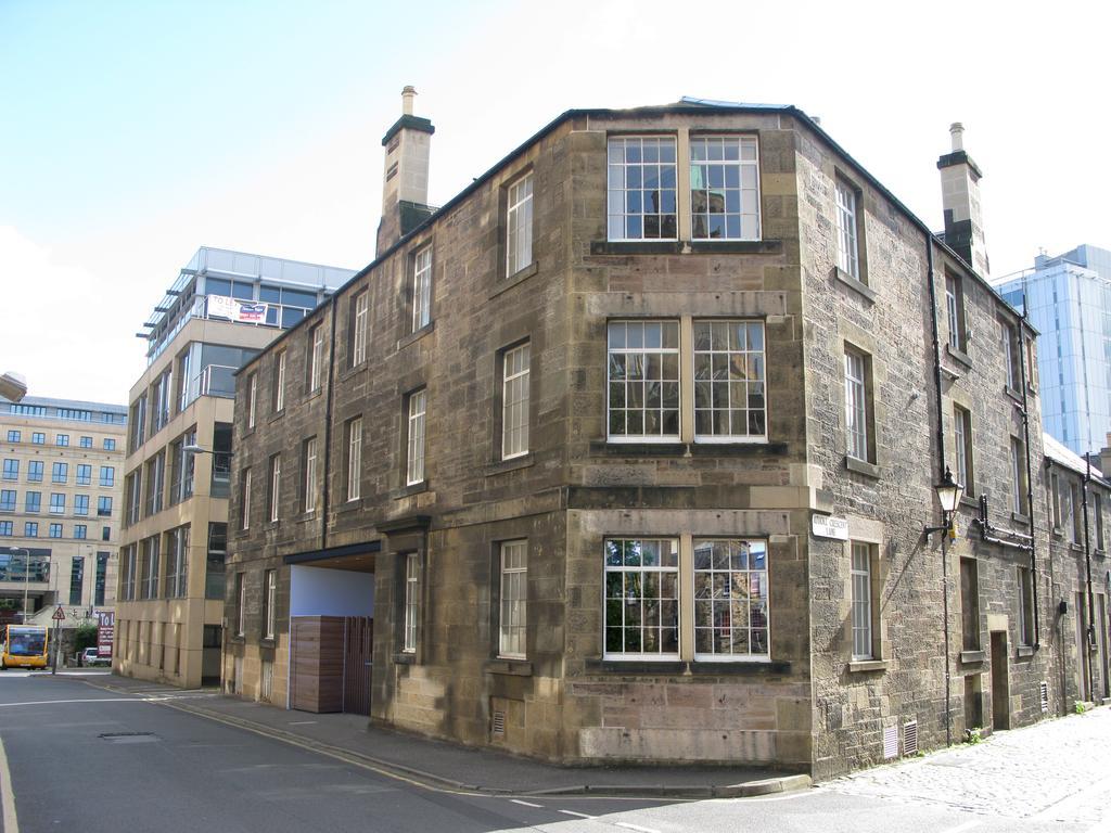 Self--catering-Accommodation-Edinburgh---Malt-House-Apartments---George-Street---Urban-Stay-8