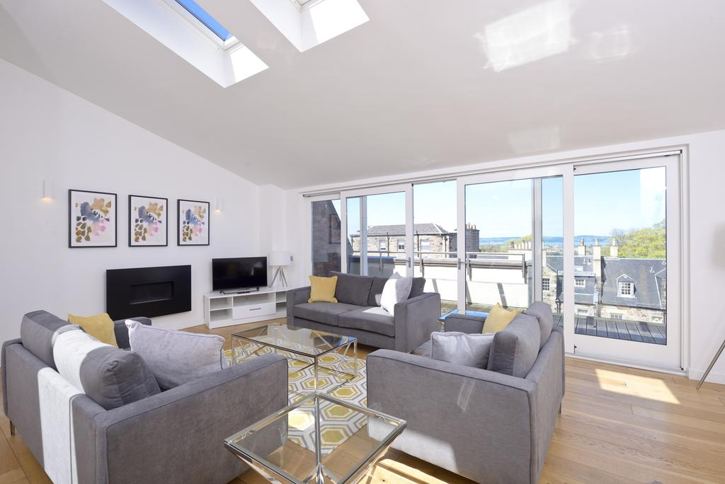 Self-catering-Apartments-Edinburgh---Thistle-Street-Apartments-Near-Murrayfield-Stadium---Urban-Stay-10