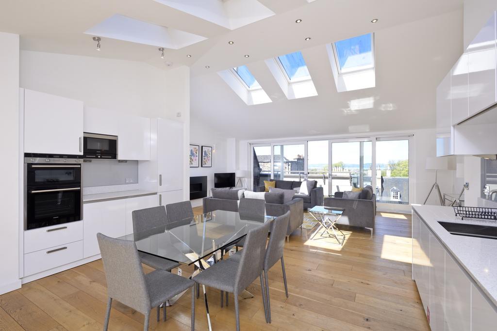 Self-catering-Apartments-Edinburgh---Thistle-Street-Apartments-Near-Murrayfield-Stadium---Urban-Stay-11
