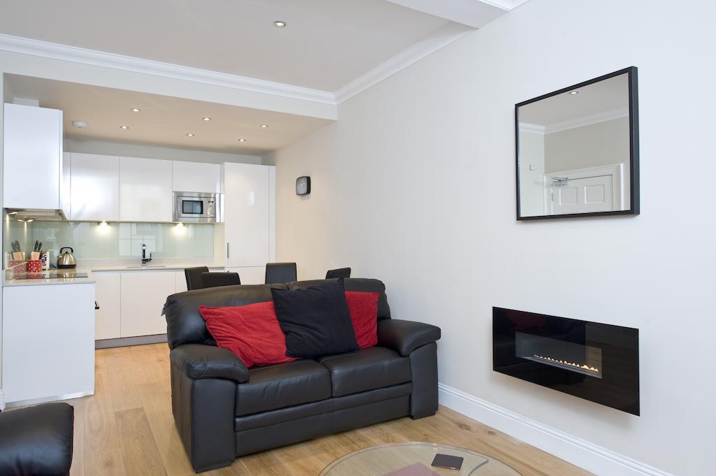 Self-catering-Apartments-Edinburgh---Thistle-Street-Apartments-Near-Murrayfield-Stadium---Urban-Stay-13
