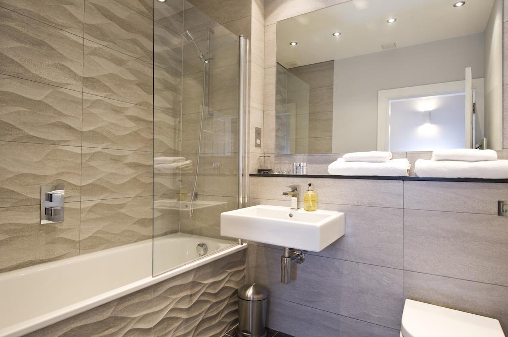 Self-catering-Apartments-Edinburgh---Thistle-Street-Apartments-Near-Murrayfield-Stadium---Urban-Stay-15