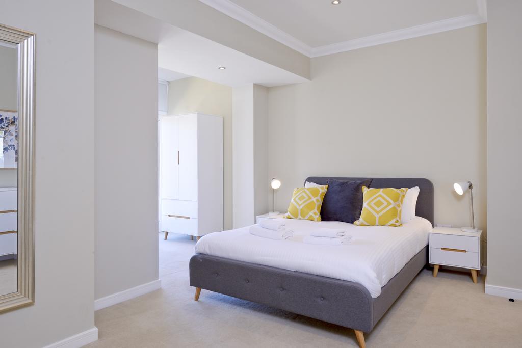 Self-catering-Apartments-Edinburgh---Thistle-Street-Apartments-Near-Murrayfield-Stadium---Urban-Stay-5