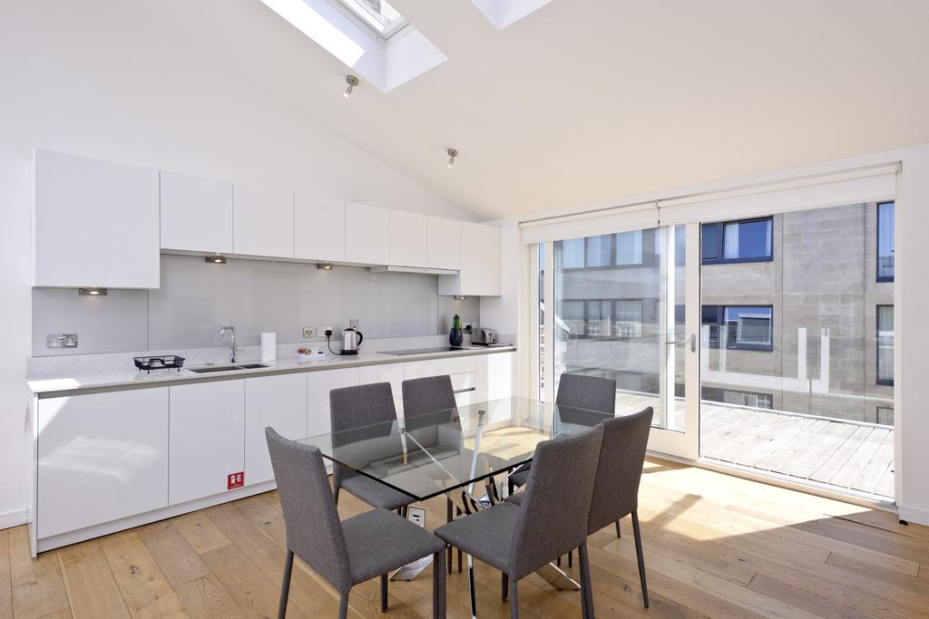 Self-catering-Apartments-Edinburgh---Thistle-Street-Apartments-Near-Murrayfield-Stadium---Urban-Stay-7