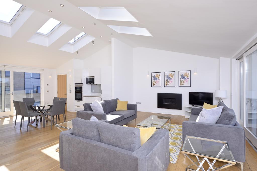 Self-catering-Apartments-Edinburgh---Thistle-Street-Apartments-Near-Murrayfield-Stadium---Urban-Stay-9