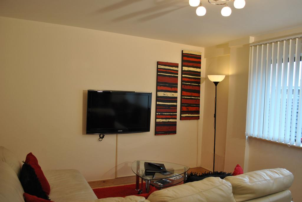 Serviced-Accommodation-Manchester---City-Centre-Apartments-Near-Manchester-Arena---Urban-Stay-3