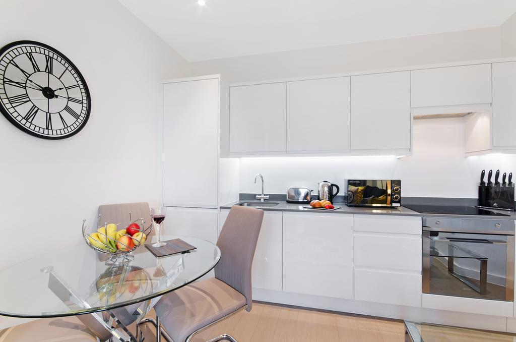 Serviced-Accommodation-St-Albans---Ziggurat-House-Apartments-- Grosvenor-Road---Urban-Stay-13