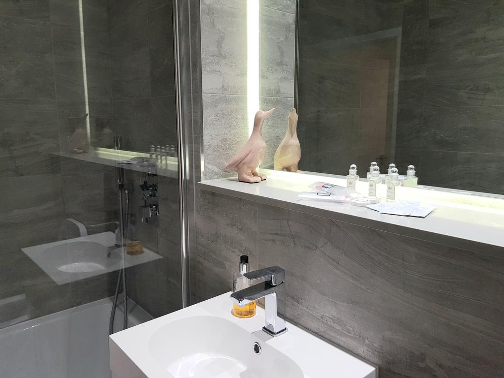 Serviced-Accommodation-St-Albans---Ziggurat-House-Apartments-- Grosvenor-Road---Urban-Stay-2