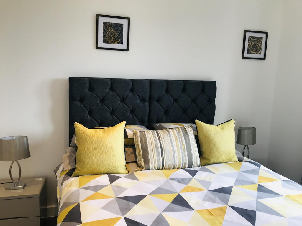 Serviced-Accommodation-St-Albans---Ziggurat-House-Apartments-- Grosvenor-Road---Urban-Stay-5