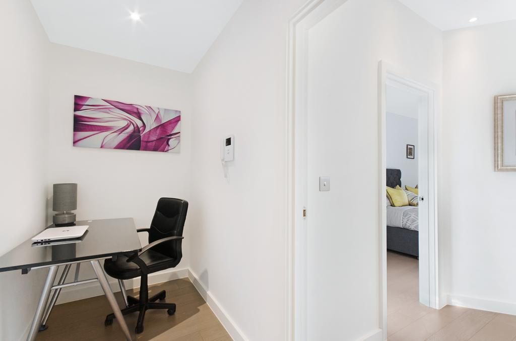 Serviced-Accommodation-St-Albans---Ziggurat-House-Apartments-- Grosvenor-Road---Urban-Stay-7