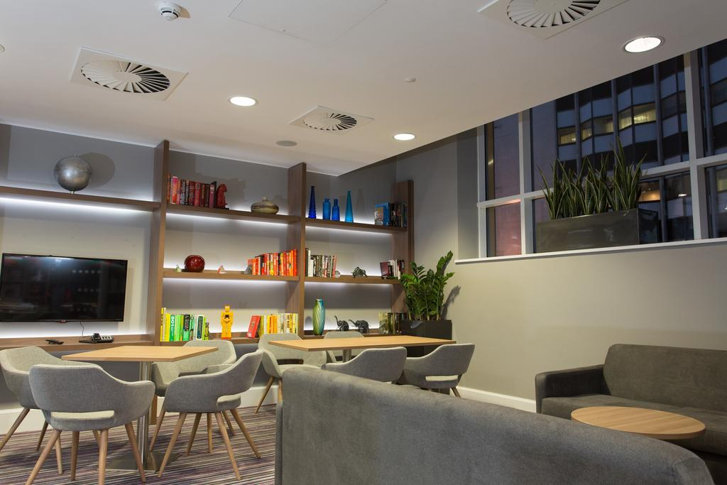 Serviced-Accommodation-in-Birmingham---Martineau-Place-Apartments---Urban-Stay-10