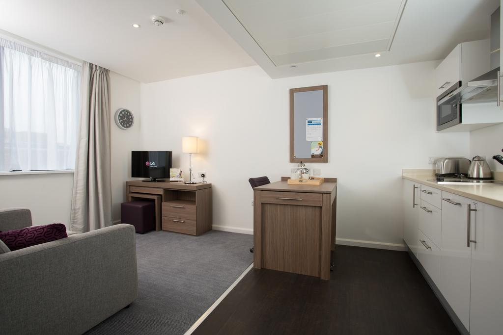 Serviced-Accommodation-in-Birmingham---Martineau-Place-Apartments---Urban-Stay-11