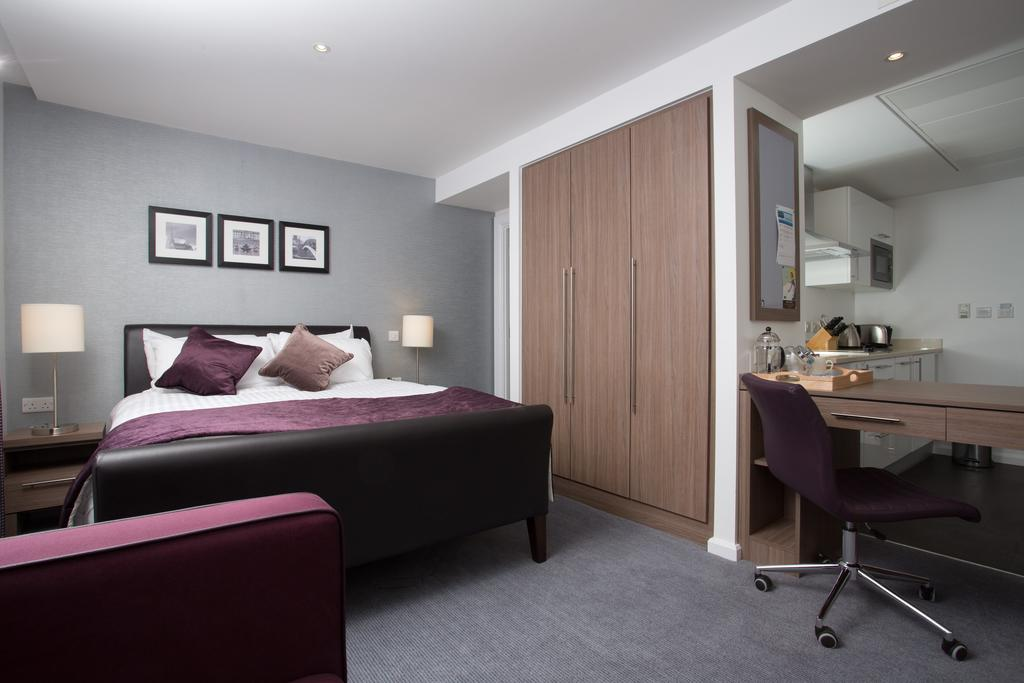 Serviced-Accommodation-Birmingham---Martineau-Place-Apartments---Urban-Stay-17