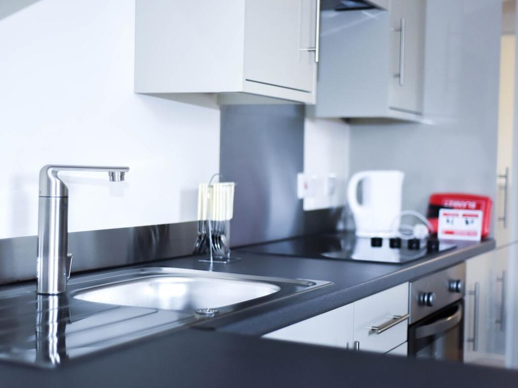 Serviced-Accommodation-in-Hull---Kingston-Villas-Apartments---Pearson-Park-Hull---Urban-Stay-3
