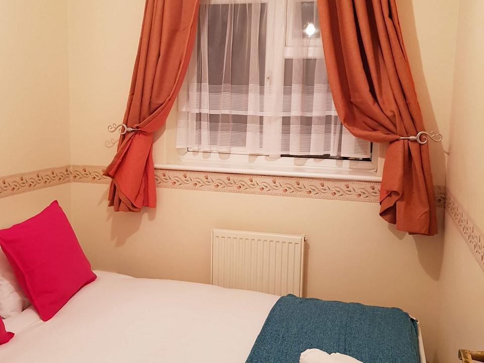 Serviced-Apartments-Luton-Ravenhill-House-Apartments-Near-Kenilworth-Road-Stadium-Urban-Stay-11
