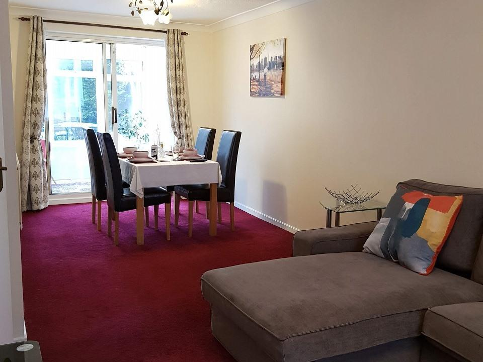 Serviced-Apartments-Luton-Ravenhill-House-Apartments-Near-Kenilworth-Road-Stadium-Urban-Stay-15
