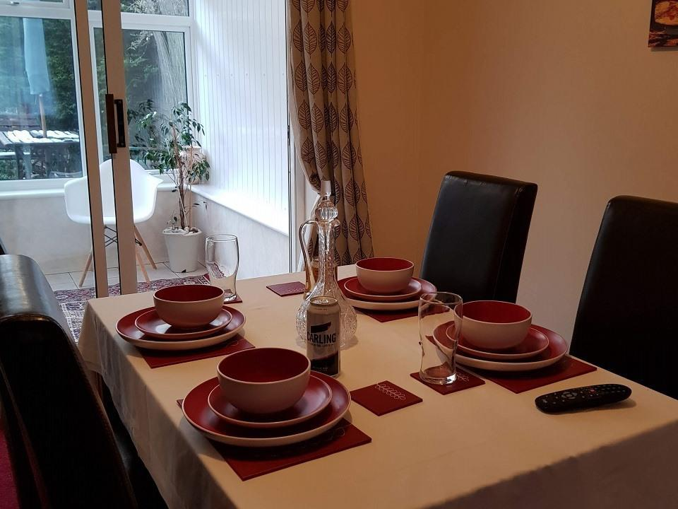 Serviced-Apartments-Luton-Ravenhill-House-Apartments-Near-Kenilworth-Road-Stadium-Urban-Stay-3