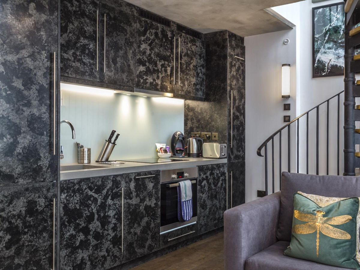 Serviced-Apartments-Soho---Soho-Lofts-Apartments-Near-Leicester-Square---Urban-Stay-4