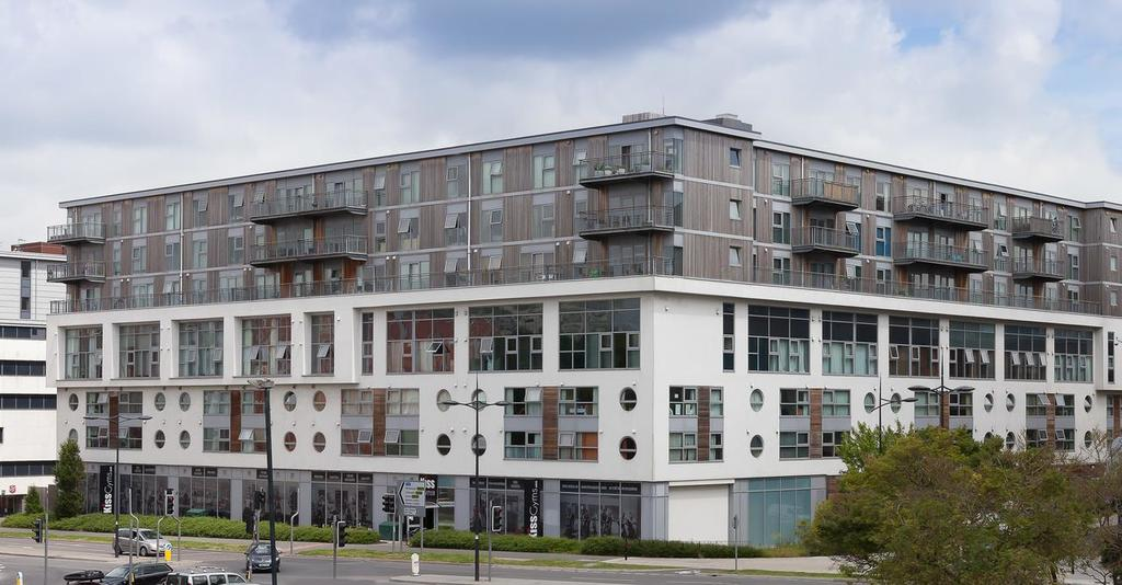 Serviced-Apartments-Swindon---Paramount-Building-Apartments---Princes-Street---Urban-Stay-14