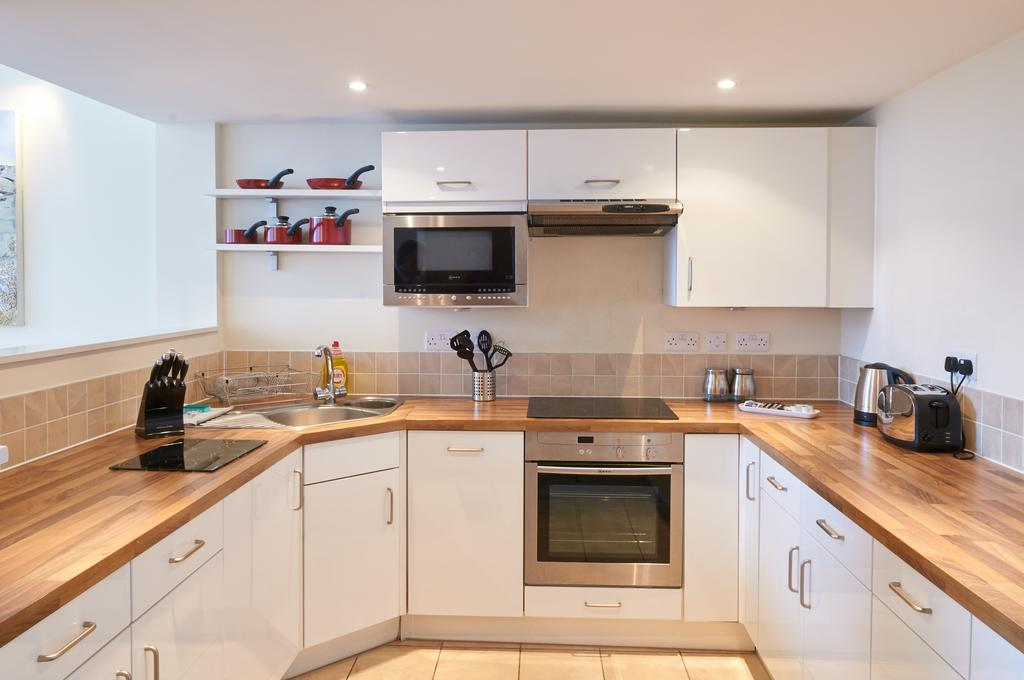 Serviced-Apartments-Swindon---Paramount-Building-Apartments---Princes-Street---Urban-Stay-20