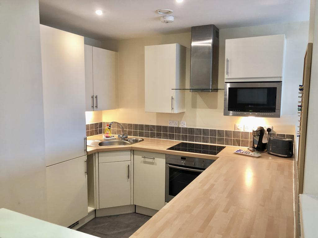 Serviced-Apartments-Swindon---Paramount-Building-Apartments---Princes-Street---Urban-Stay-22