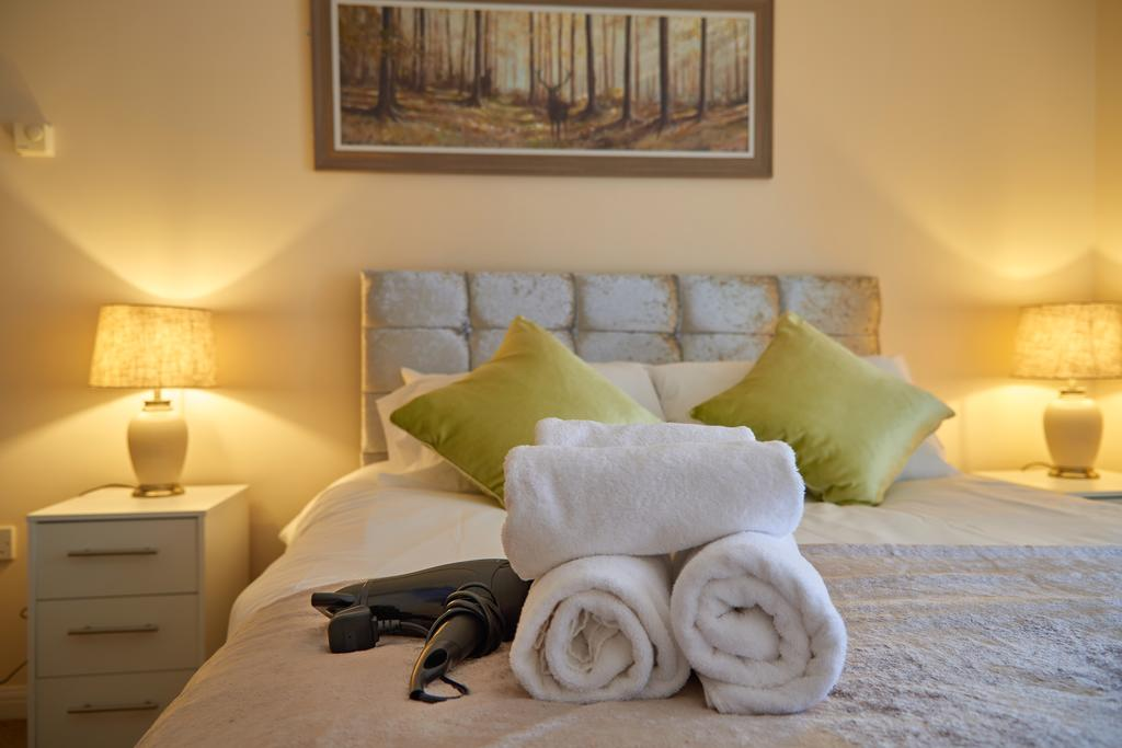 Serviced-Apartments-Swindon---Paramount-Building-Apartments---Princes-Street---Urban-Stay-7