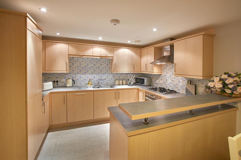 Serviced-Apartments-Swindon---Paramount-Building-Apartments---Princes-Street---Urban-Stay-8