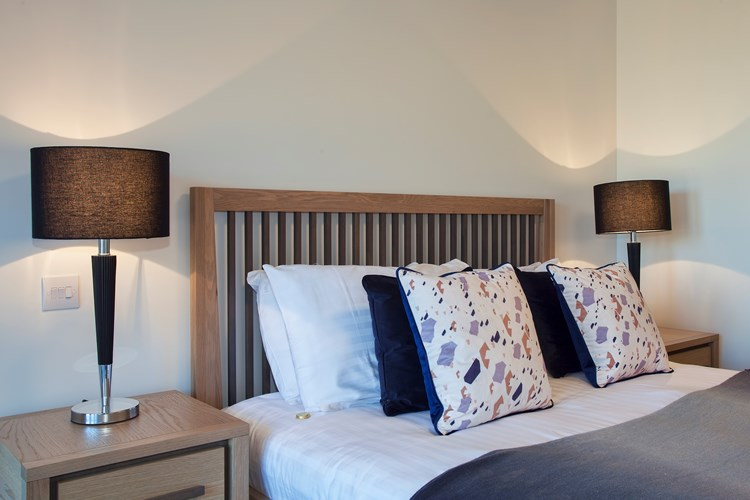 Staines-Upon-Thames-Serviced-Apartments---Heathrow-South-Apartments-Near-Thorpe-Park---Urban-Stay-10