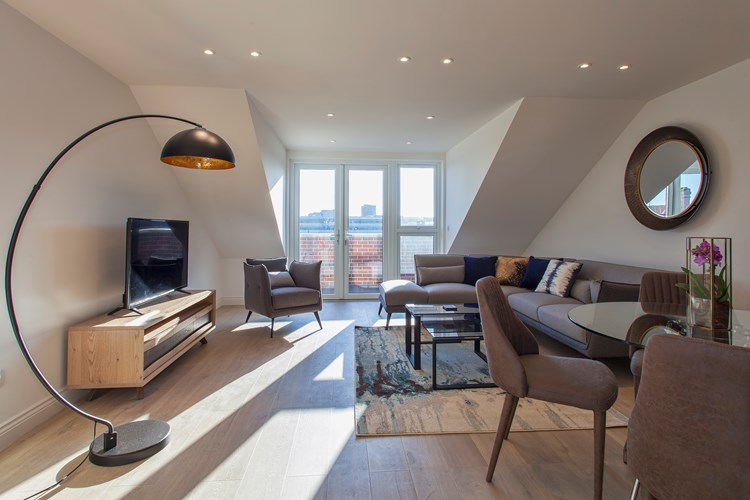 Staines-Upon-Thames-Serviced-Apartments---Heathrow-South-Apartments-Near-Thorpe-Park---Urban-Stay-3