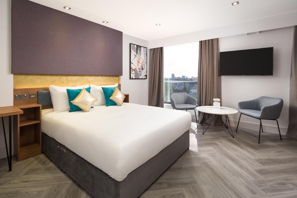 Stratford-Serviced-Accommodation---London-Stratford-Apartments-Near-Olympic-Stadium---Urban-Stay-1