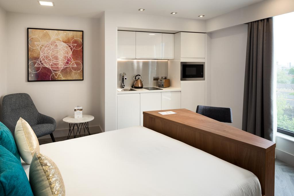 Stratford-Serviced-Accommodation---London-Stratford-Apartments-Near-Olympic-Stadium---Urban-Stay-3