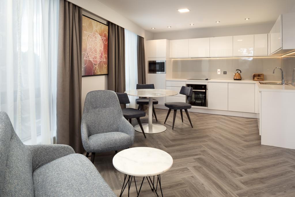 Stratford-Serviced-Accommodation---London-Stratford-Apartments-Near-Olympic-Stadium---Urban-Stay-8