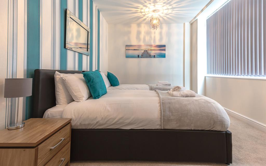 Swindon-Serviced-Accommodation---Wessex-Court-Apartments---Lydiard-Park---Urban-Stay-14