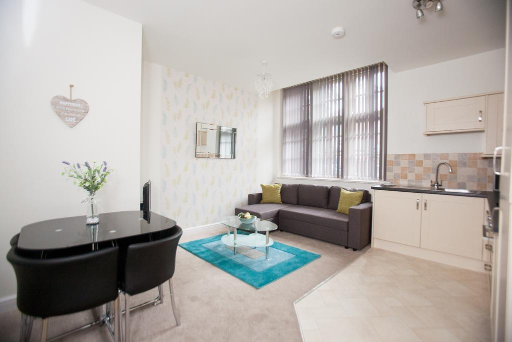 Swindon-Serviced-Accommodation---Wessex-Court-Apartments---Lydiard-Park---Urban-Stay-15