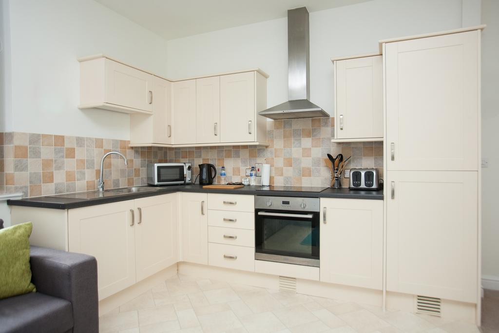 Swindon-Serviced-Accommodation---Wessex-Court-Apartments---Lydiard-Park---Urban-Stay-16