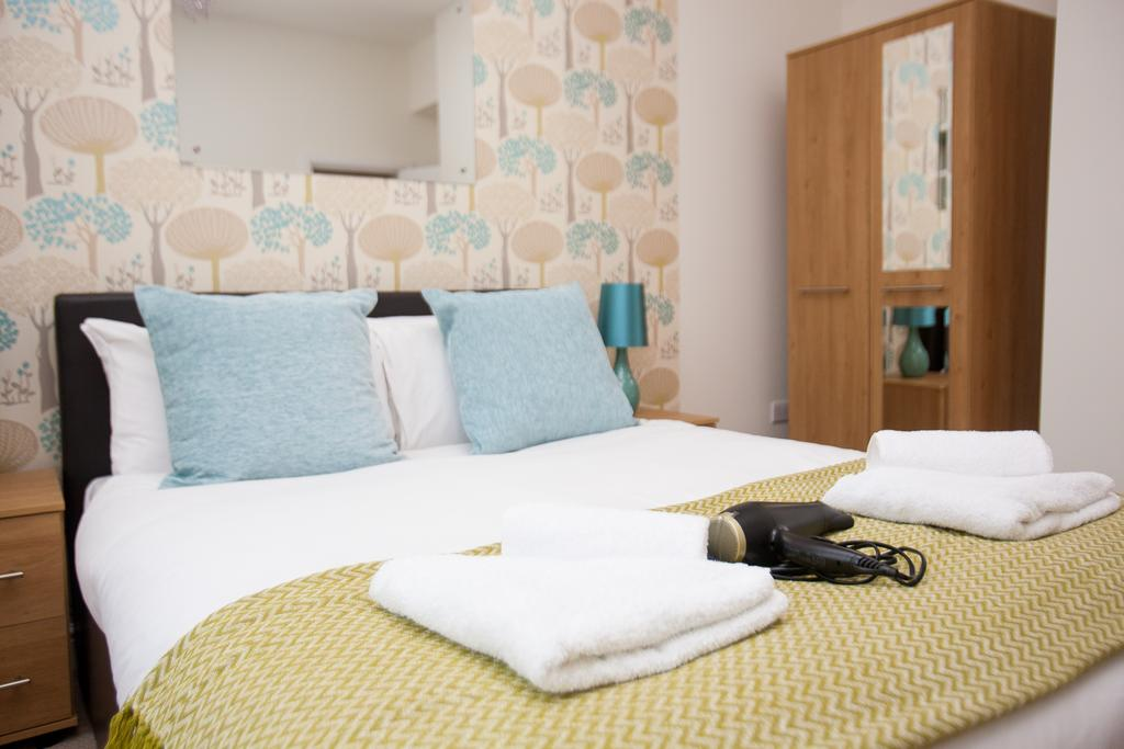 Swindon-Serviced-Accommodation---Wessex-Court-Apartments---Lydiard-Park---Urban-Stay-17
