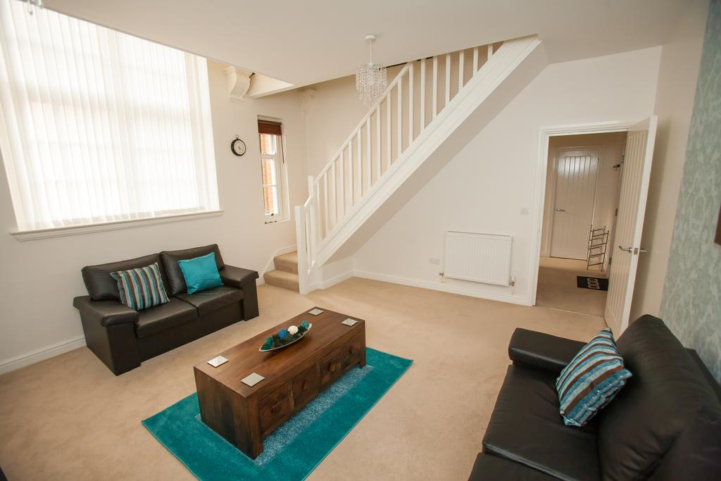 Swindon-Serviced-Accommodation---Wessex-Court-Apartments---Lydiard-Park---Urban-Stay-3