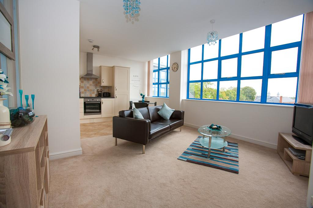 Swindon-Serviced-Accommodation---Wessex-Court-Apartments---Lydiard-Park---Urban-Stay-5