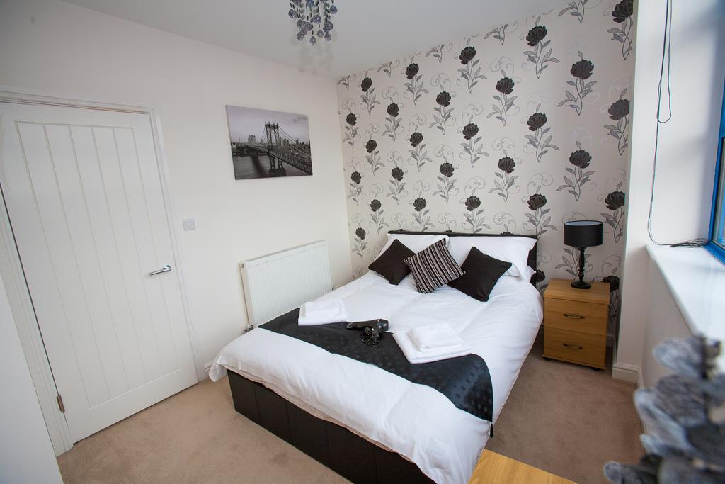 Swindon-Serviced-Accommodation---Wessex-Court-Apartments---Lydiard-Park---Urban-Stay-6