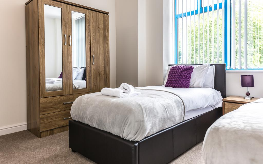Swindon-Serviced-Accommodation---Wessex-Court-Apartments---Lydiard-Park---Urban-Stay-7