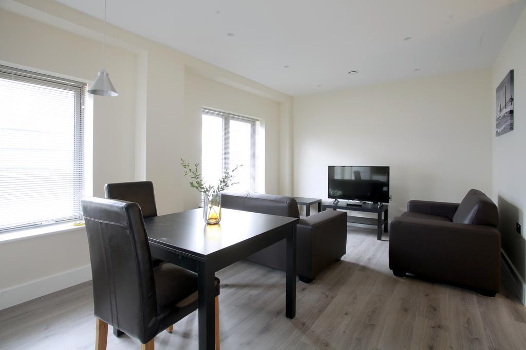 Wembley-Short-Let-Apartments-Near-Wembley-Stadium-High-Road-North-London-Urban-Stay-14