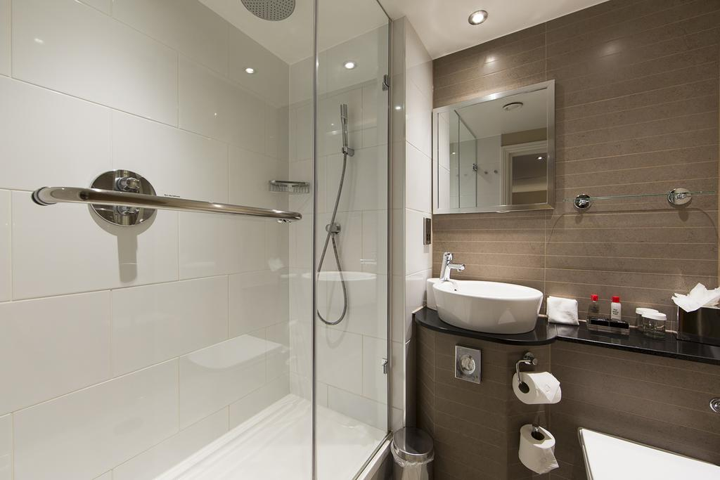 Westminster-Short-Let-Apartments-Piccadilly-Road-Central-London-Accommodation-Urban-Stay-11