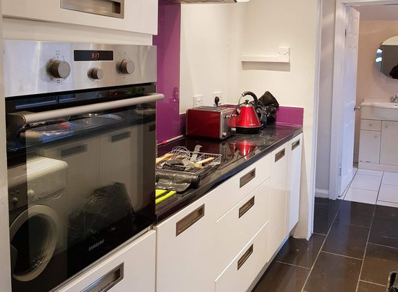 Nottingham-Serviced-Accommodation-Available-Now-I-Book-luxury-corporate-apartments-in-Nottinghamshire-I-Free-Parking,-Netflix-and-Virgin-Media-WiFi