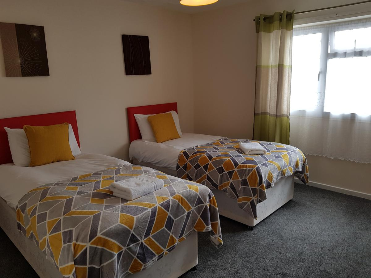 Luton Serviced Accommodation Available Now I Book Short Let Apartments in Bedfordshire I Luxuorious Home Away From Home I Get The Best Rates With Urban Stay