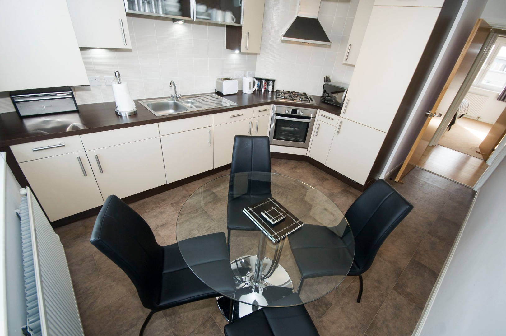 Aberdeen-Corporate-Luxury-Accommodation---Portland-Street-Apartments-Near-Union-Square-Shopping-Centre---Urban-Stay-3