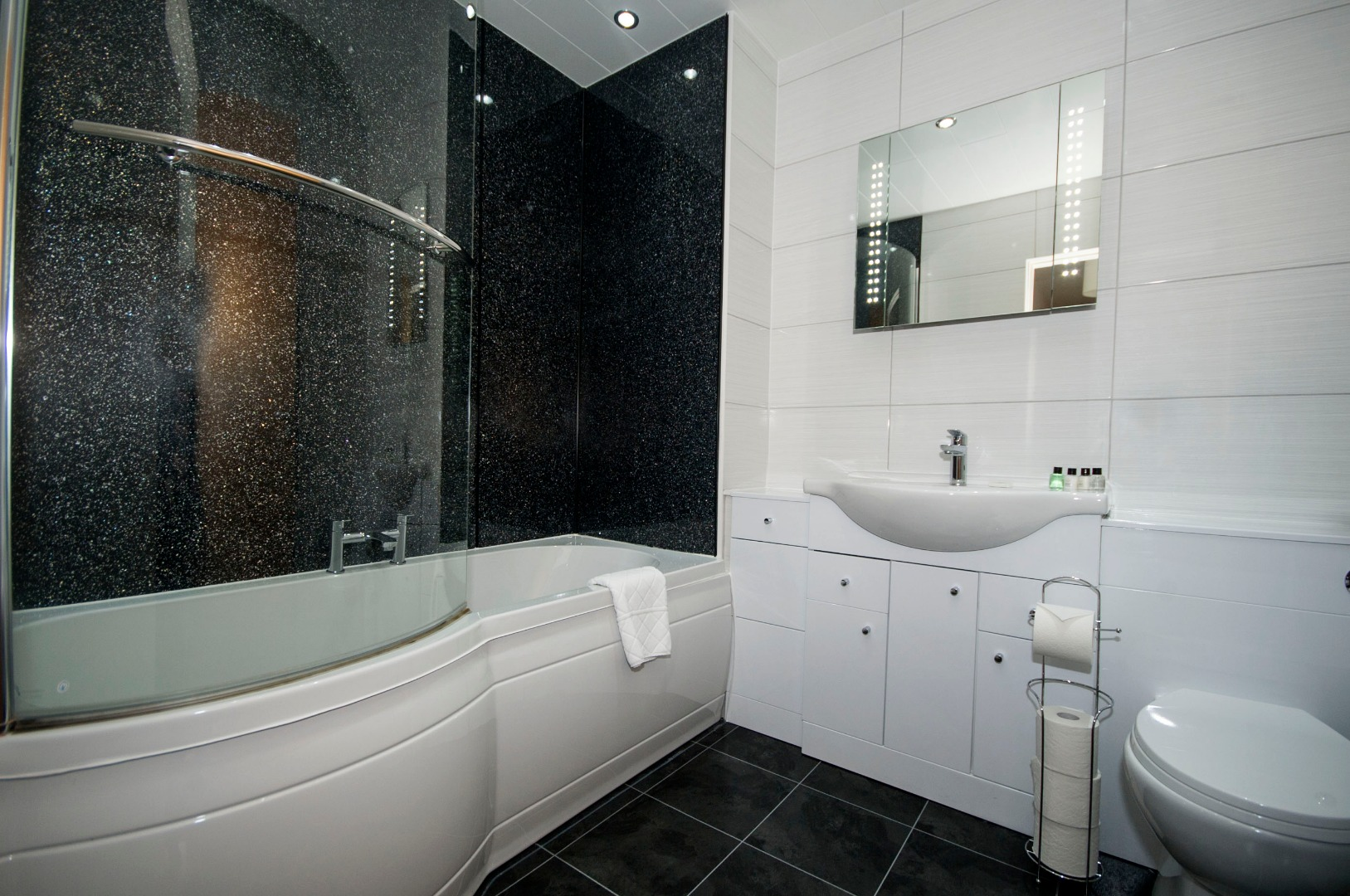 Aberdeen-Corporate-Luxury-Accommodation---Portland-Street-Apartments-Near-Union-Square-Shopping-Centre---Urban-Stay-6