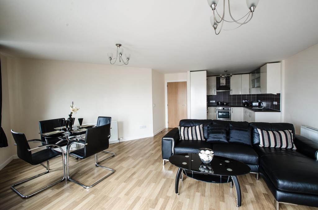 Aberdeen-Corporate-Luxury-Apartments---Portland-Street-Apartments-Near-Beach-Ballroom---Urban-stay-1