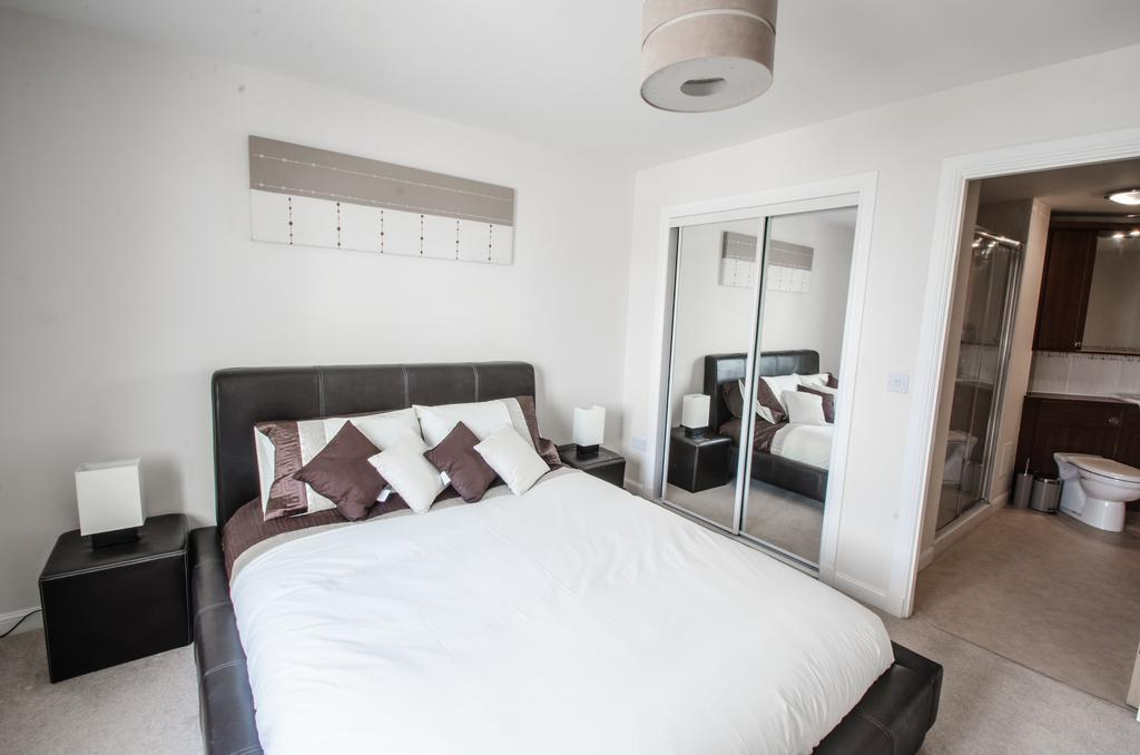 Aberdeen-Corporate-Luxury-Apartments---Portland-Street-Apartments-Near-Beach-Ballroom---Urban-stay-2